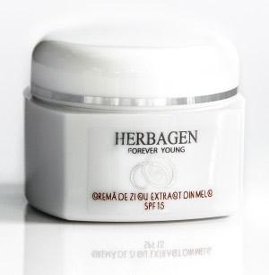 Crema de zi de la Herbagen, cu extract din melc și SPF15, uleiuri vegetale de  macadamia și măsline, 35 lei