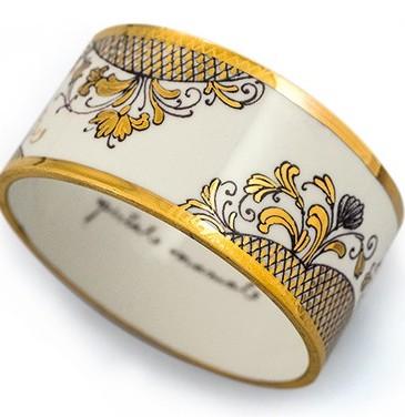 """Brățară """"no. 1"""" din porțelan pictat manual cu aur pur, preț 650 – 1200 lei, wagnerarte.ro/bijuterii-lux.html"""