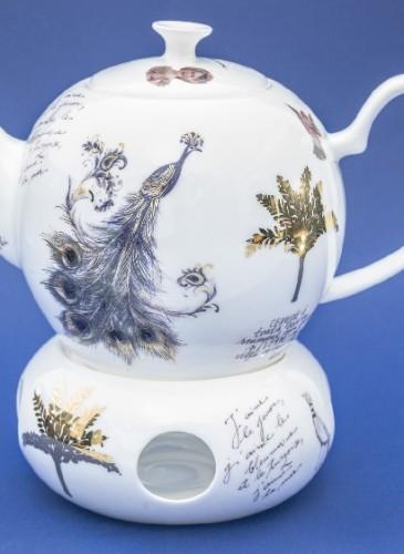 """Ceainic, încălzitor (385-580 lei), colecția """"Despre Albastru, Păuni și alte Culori"""" semnată Ana Wagner (2015)"""