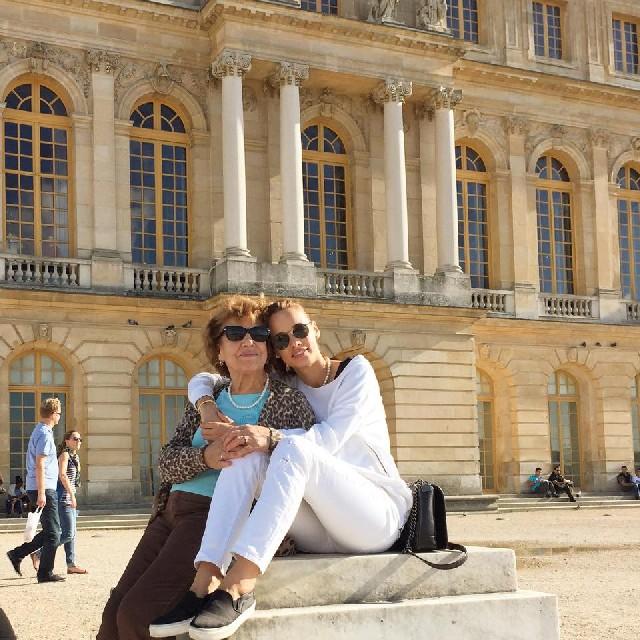 Cu mama ei, la Paris, octombrie 2014