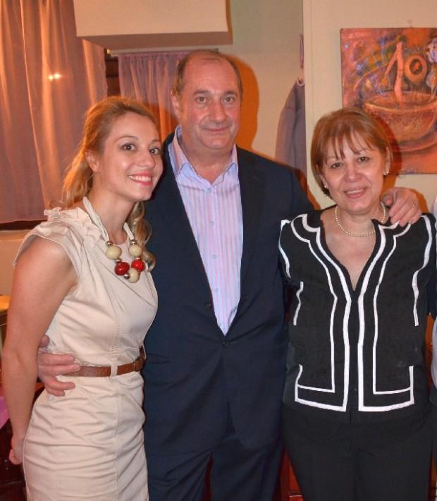 Cu părinții, sprijinul ei de încredere, la aniversarea a 10 ani de la deschiderea primei ceainării Rendez Vous
