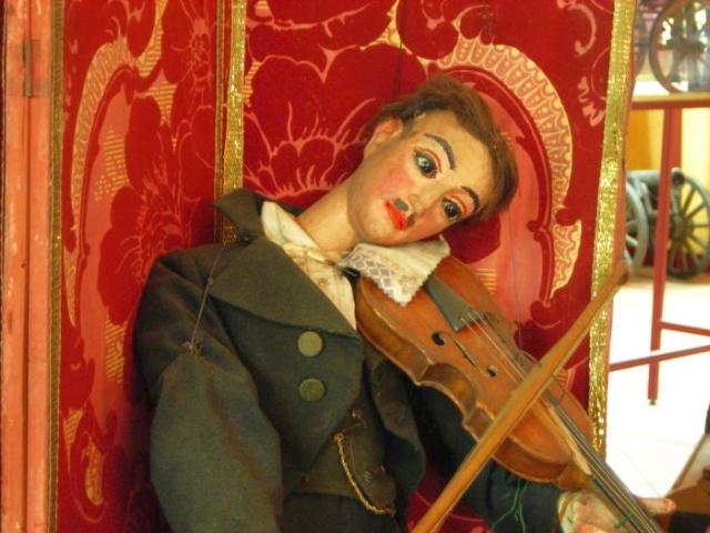 Din Muzeul Marionetelor, Torino, foto: www.museomarionettelupi.com