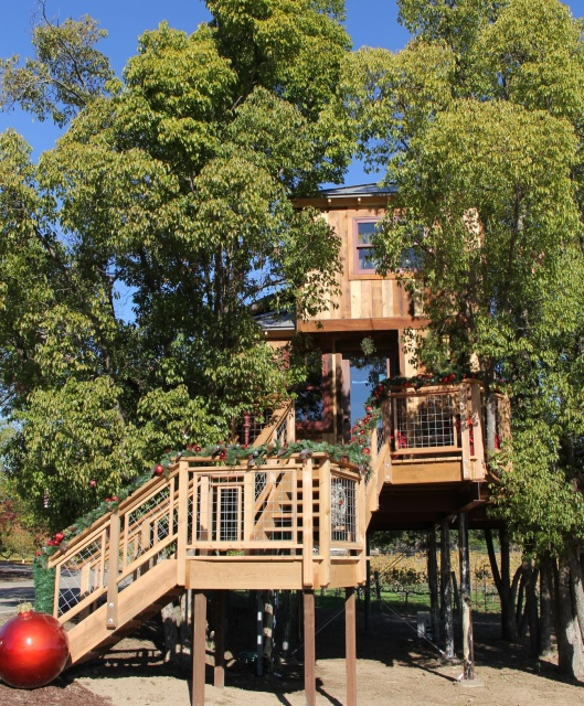 Treehouse Masters Treehouse Point: Căsuțele în Copaci - Ultima Modă în Occident