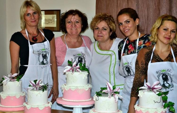 La finalul unui curs de wedding cake pe care l-a ținut în Italia