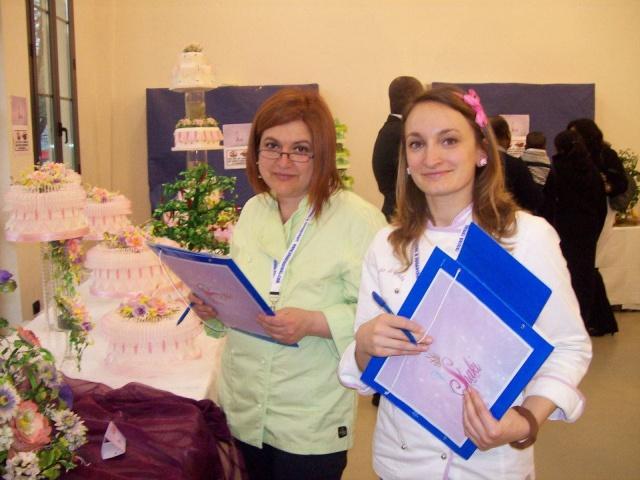 Dora, membra a juriului unui Cake Show desfășurat la Milano
