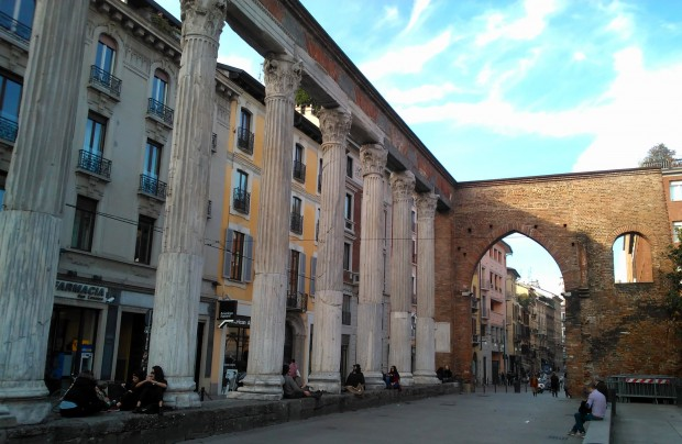 milano old columns