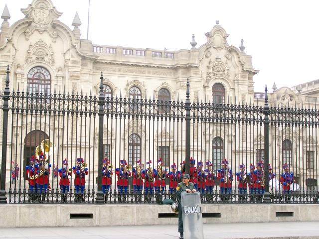 Lima, schimbarea Gardei la Palat