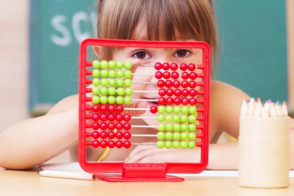 copil cu abac