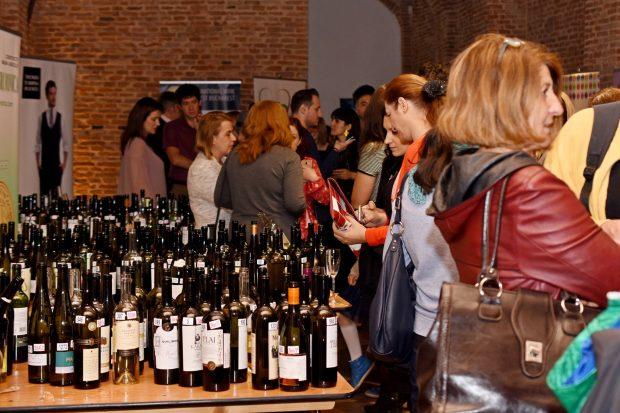 Festivalul blogurilor și vinurilor IWCB 2017 - padurea de sticle de vin