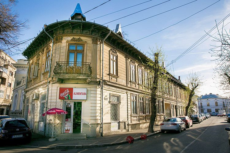 Clădiri de patrimoniu din București au ajuns la licitație. Bacania si casele Nae Petrescu