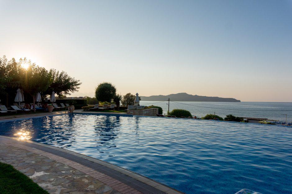 Piscina hotelului Cretan Dream Stalos