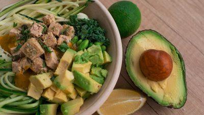 FDA avertizează: Spălați avocado înainte de consum!