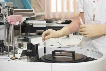 cerctătorii israelieni au descoperit primul tratament complet anti-cancer