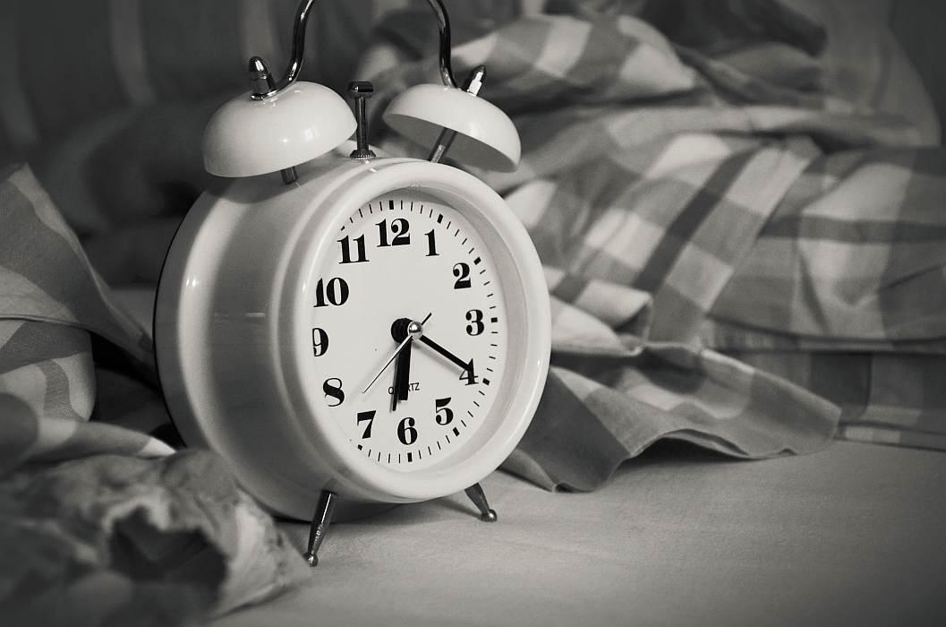 persoanele matinale, mai sănătoase decât cei care adorm târziu