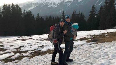 Cosmina Simiean, cu bebelușul pe vârfuri montane