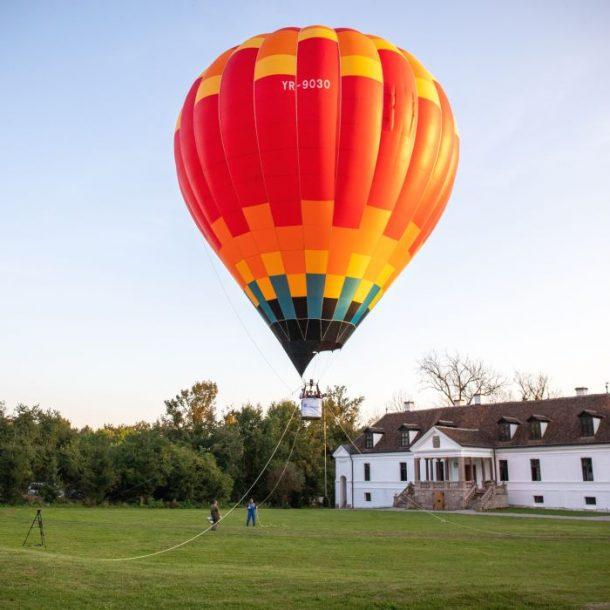 Cu balonul prin Covasna